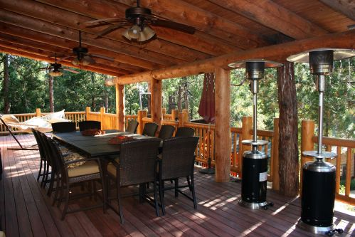 log cabin outdoor dining
